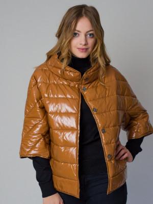 Krótka brązowa kurtka pikowana