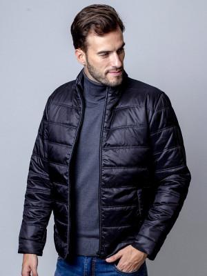 Czarna przejściowa kurtka pikowana