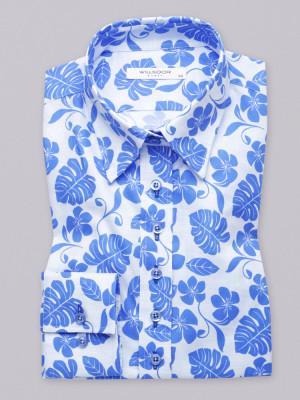 Biała bluzka w niebieskie kwiaty i liście