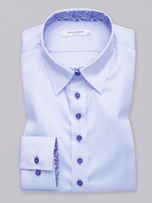 Błękitna bluzka z kontrastami