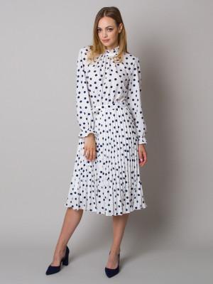 Biała sukienka w grochy ze stójką i plisowaniem