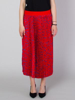 Długa czerwona spódnica plisowana