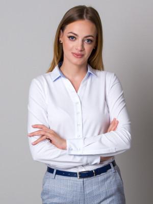 Biała bluzka dzianinowa z błękitnymi kontrastami