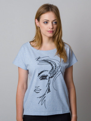 Błękitny t-shirt z nadrukiem