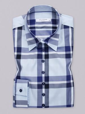 Błękitna bluzka w kratę