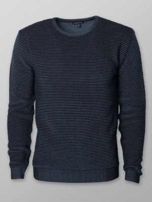 Granatowy sweter prążkowany