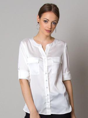 Biała bluzka o luźnym kroju bez kołnierzyka