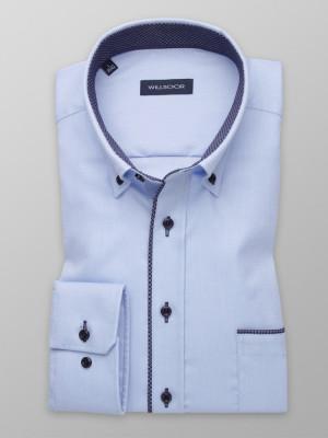 Błękitna taliowana koszula z kontrastami