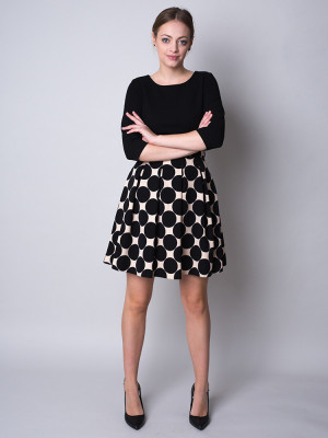 Krótka sukienka w grochy