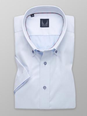 Jasnobłękitna taliowana koszula o gładkiej fakturze