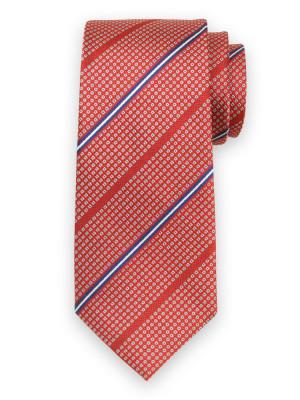 Czerwony jedwabny krawat w granatowe kwadraty