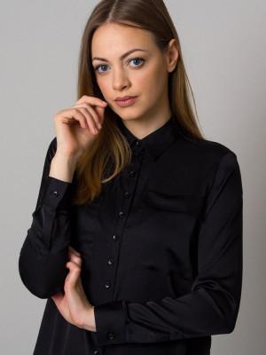 Czarna bluzka o luźnym kroju