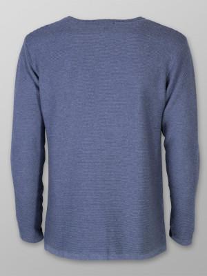Cienki niebieski sweter