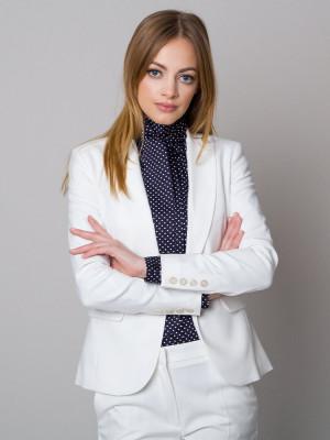 Biały garnitur damski