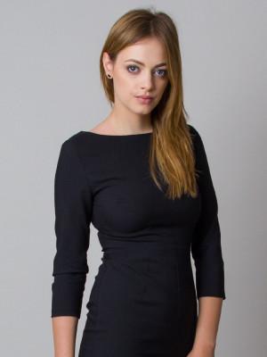 Elegancka czarna dopasowana sukienka
