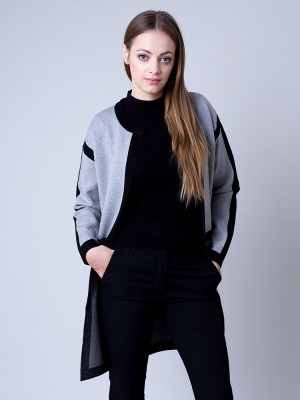 Długi szary sweter w czarne pasy