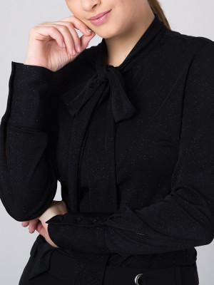 Czarna bluzka w brokatowy prążek z kokardą