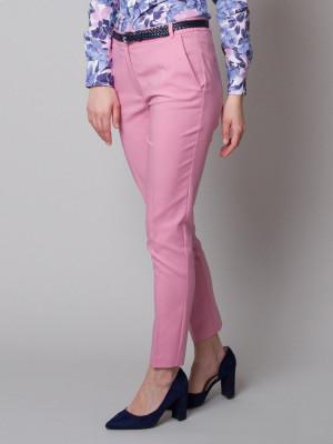 Różowe klasyczne spodnie garniturowe