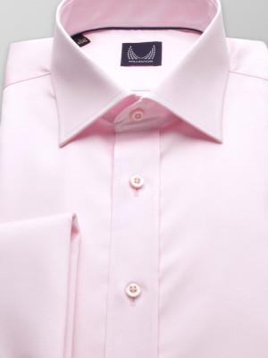 Jasnoróżowa taliowana koszula na spinki