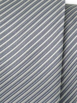 Klasyczny szary krawat w prążek