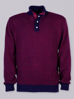 Bordowy sweter z wysokim kołnierzem