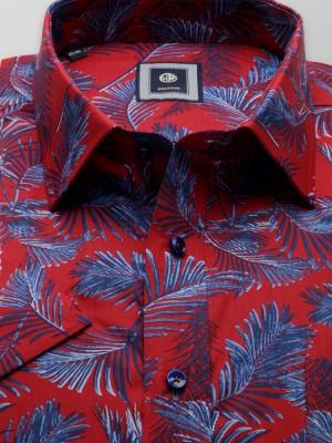 Klasyczna czerwona koszula w liście