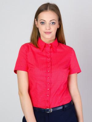Czerwona bluzka z krótkim rękawem