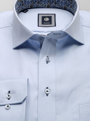 Jasnobłękitna taliowana koszula z kontrastami