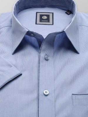 Klasyczna błękitna koszula w kratkę