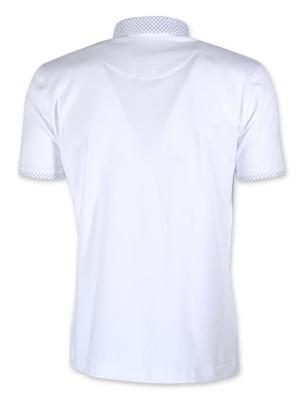 Biała koszulka polo z podpinanym kołnierzykiem