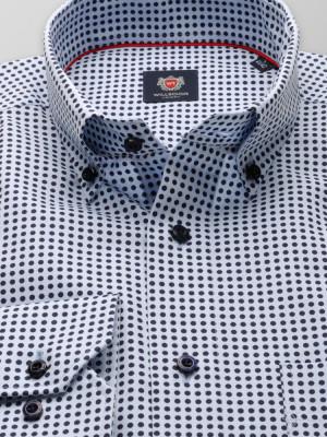 Klasyczna błękitna koszula w groszki