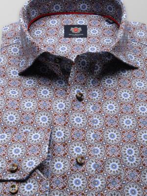 Klasyczna koszula z orientalne wzory