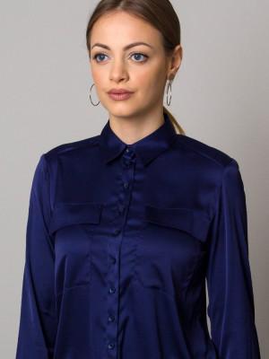 Granatowa bluzka o luźnym kroju