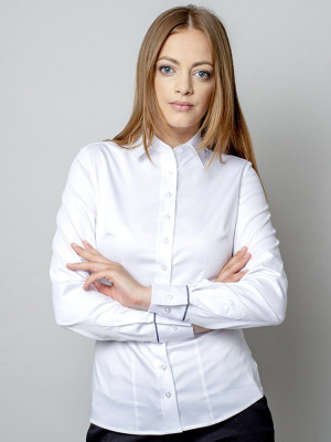 Biała bluzka z przypinanymi żabotami