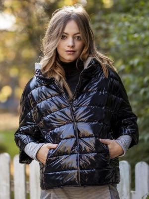 Krótka czarna kurtka pikowana