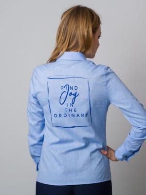 Błękitna bluzka z napisem