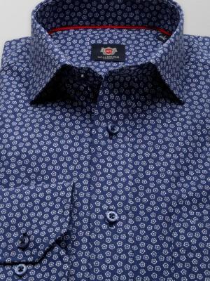 Klasyczna niebieska koszula w margaretki