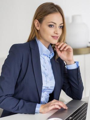 Klasyczna błękitna bluzka typu long size