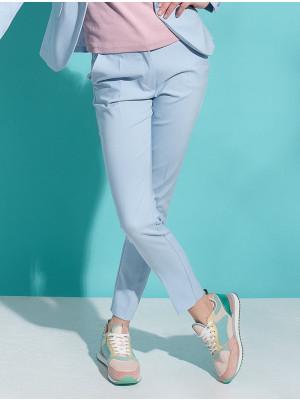 Błękitne klasyczne spodnie garniturowe