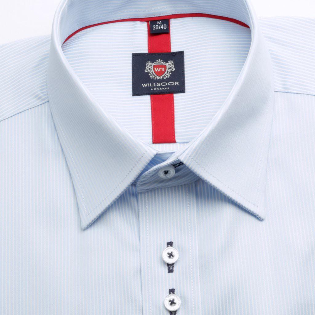 Jasnobłękitna klasyczna koszula w prążki