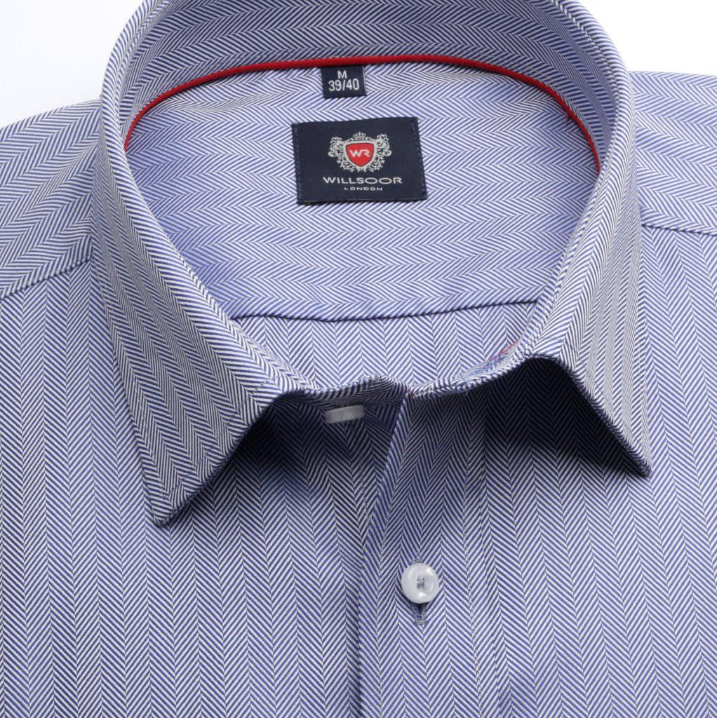 Klasyczna niebieska koszula w jodełkę