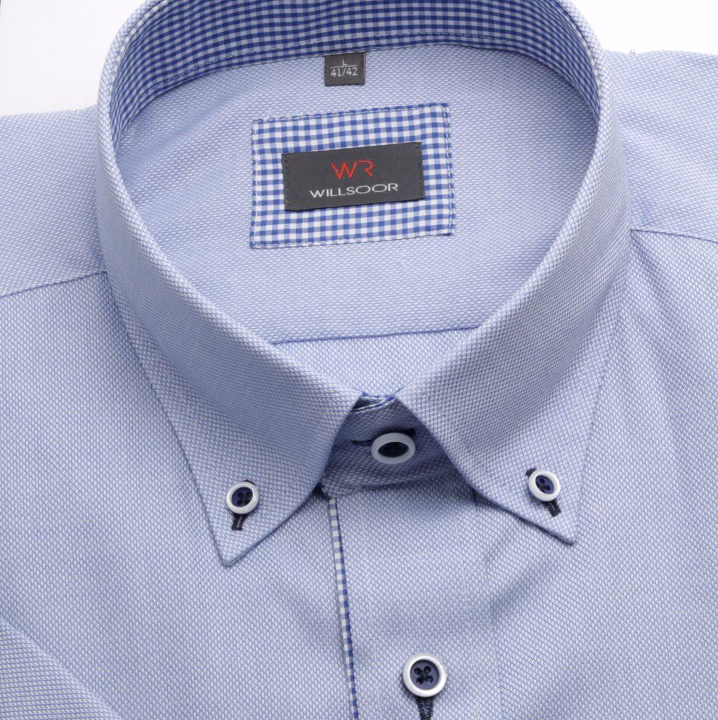 Błękitna taliowana koszula z pagonami