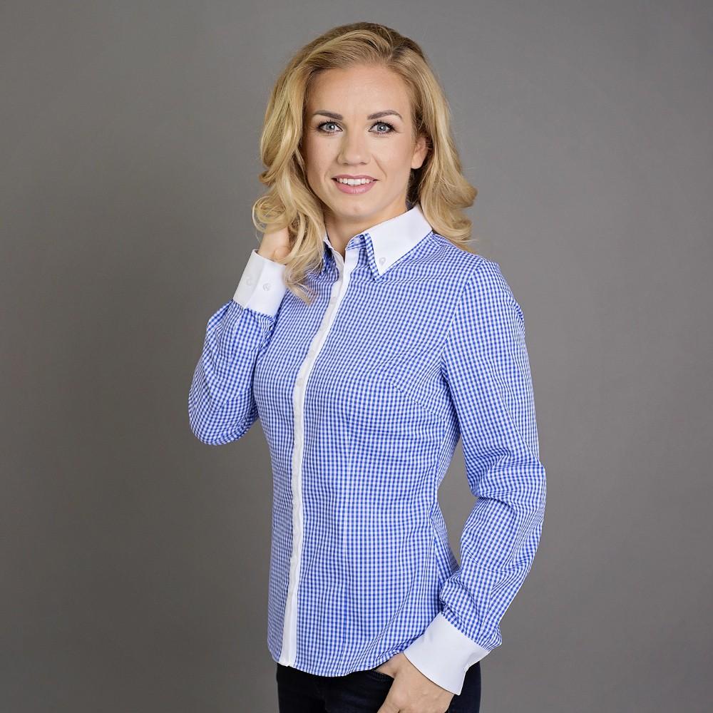 Niebieska bluzka w białą kratkę