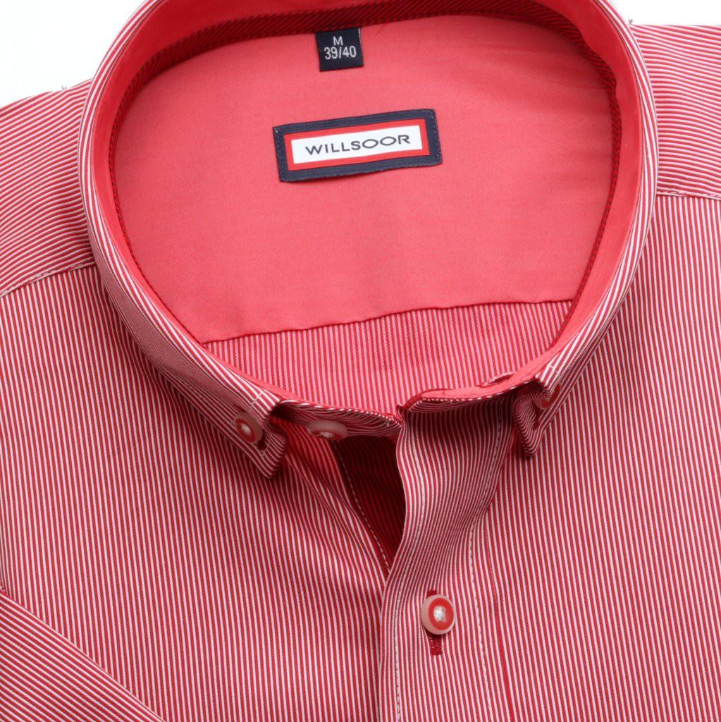 Klasyczna czerwona koszula z pagonem