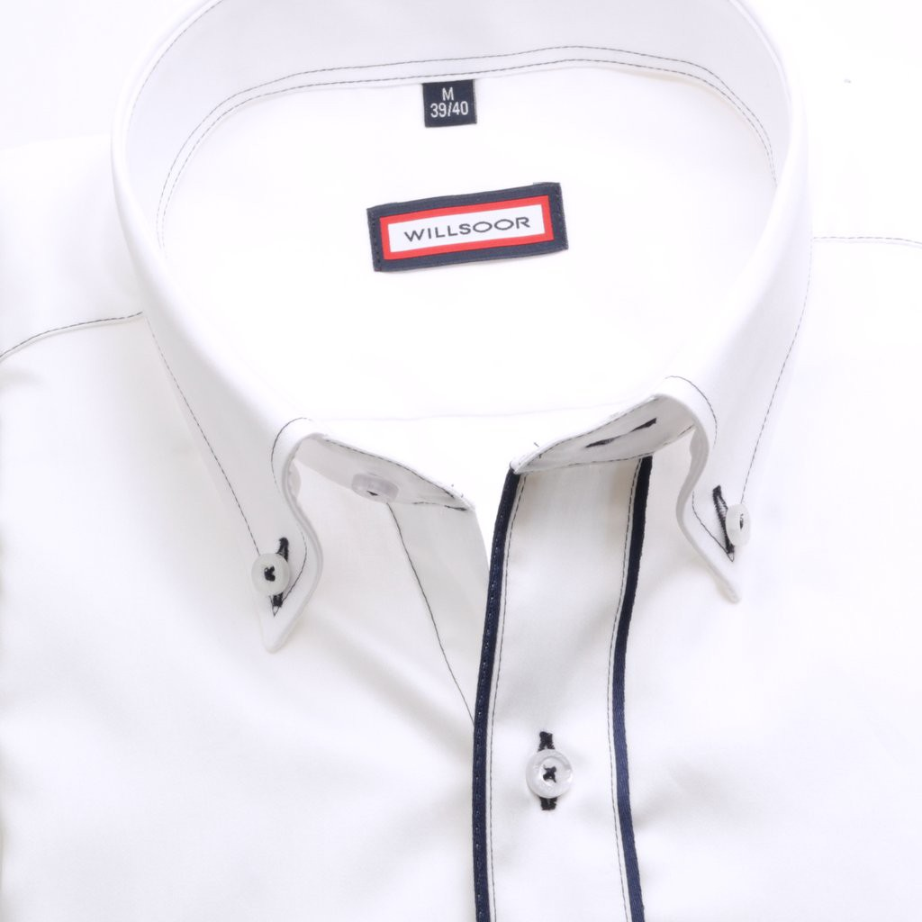 Biała klasyczna koszula