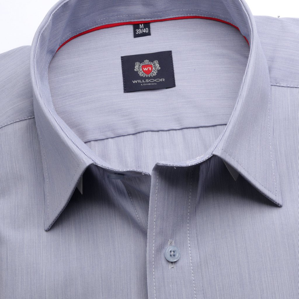 Klasyczna błękitna koszula w prążek