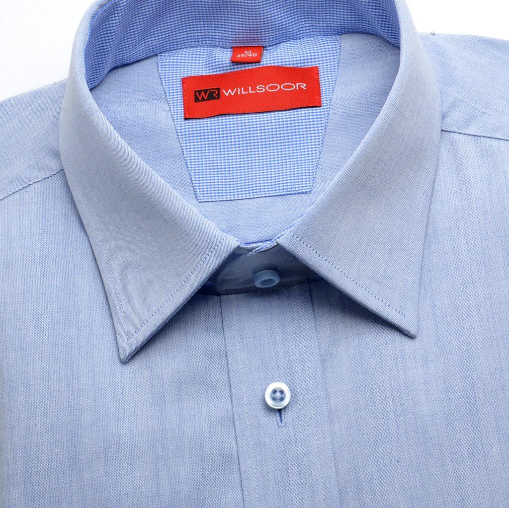 Błękitna taliowana koszula