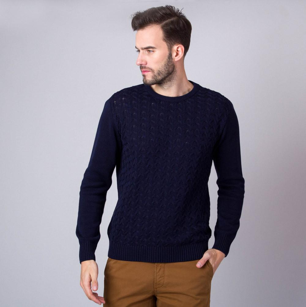 Granatowy sweter w warkocze