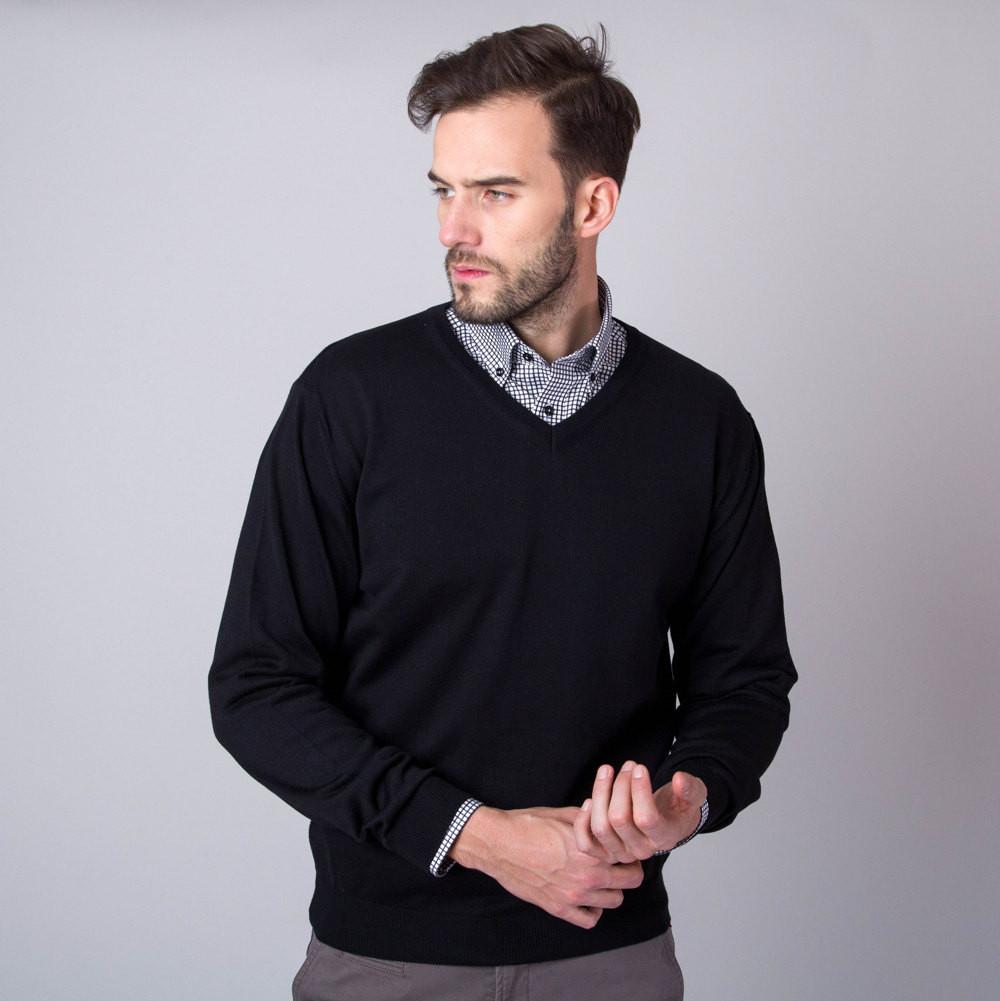 Czarny pulower szpic