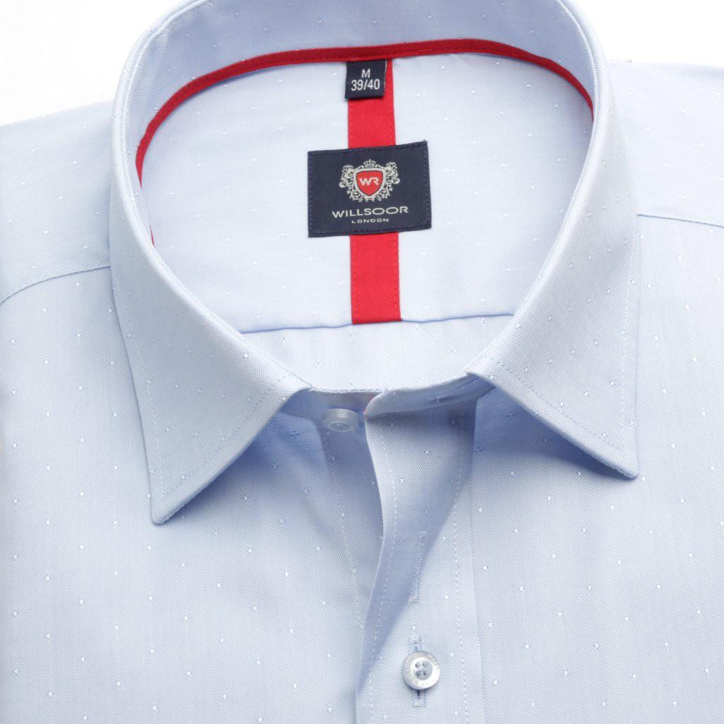 Jasnobłękitna taliowana koszula w kropki